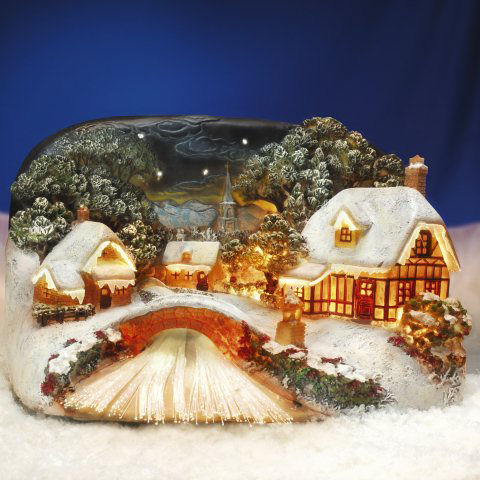 beleuchtetes keramik lichthaus idyllisches dorf am fluss mit br cke. Black Bedroom Furniture Sets. Home Design Ideas