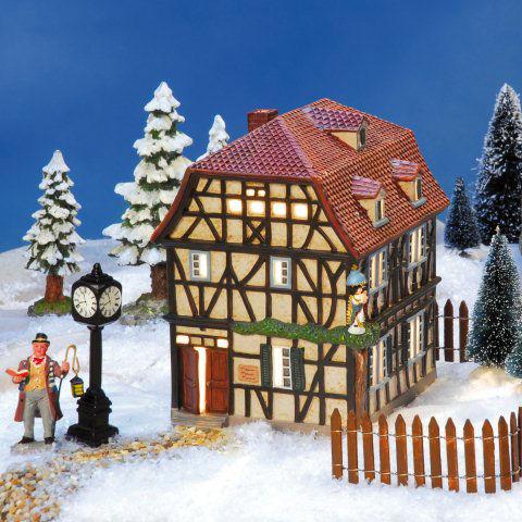 keramik altstadt lichthaus engel haus fachwerk mit engelfigur. Black Bedroom Furniture Sets. Home Design Ideas