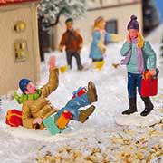 """Lichthäuser Miniaturfiguren Set """"Ausrutscher im Schnee"""""""