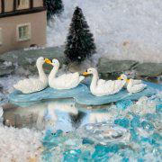 """Lichthäuser Miniaturfiguren """"Schwäne mit Schwanenkindern"""""""