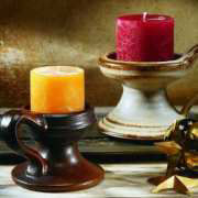 Klassischer Kerzenleuchter aus Keramik mit Henkel
