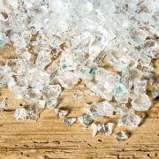 Klare Eis-Nuggets, winterliche Miniatur Landschaftsdeko