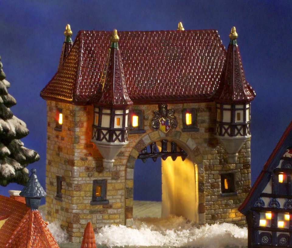 keramik lichthaus mittelalterliches stadttor mit beleuchtung. Black Bedroom Furniture Sets. Home Design Ideas