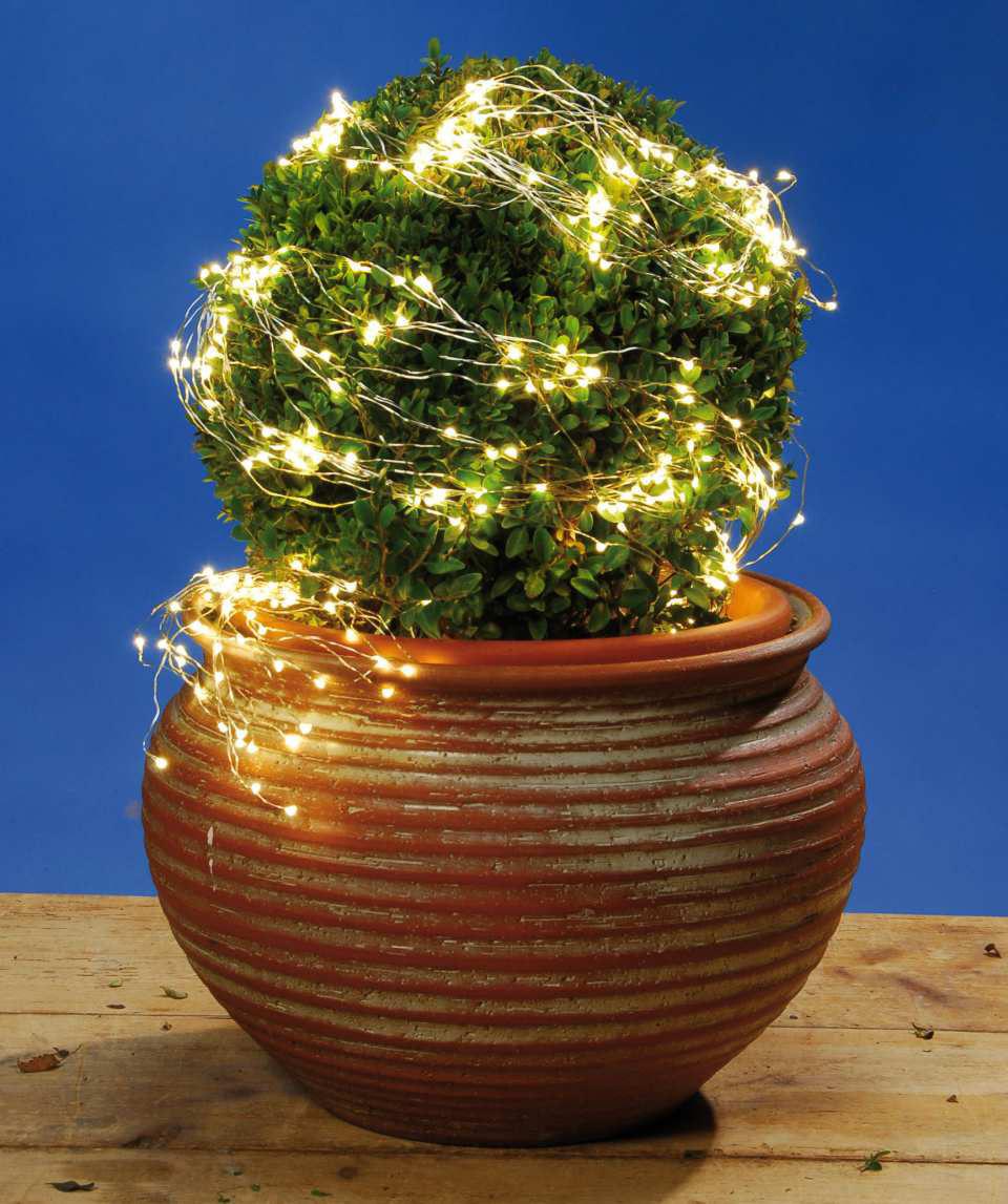 Weihnachtsdeko led licht kaskade mit 125 lichtern for Bilder mit lichterkette