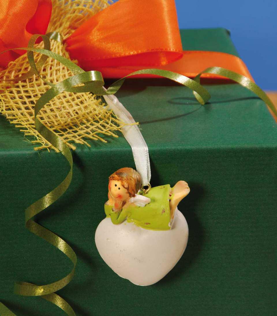 Geschenke dekoration schutzengel herz mit satinband for Dekoration geschenke