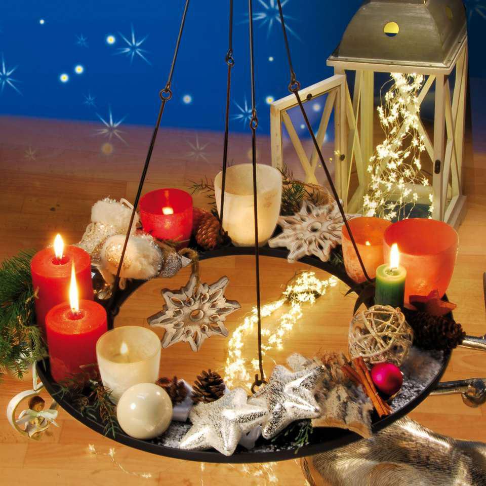 weihnachtlicher deko kranz aus metall zum aufh ngen. Black Bedroom Furniture Sets. Home Design Ideas